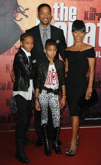 Willow Smith 2011 Wallpaper. Willwillow smith tree